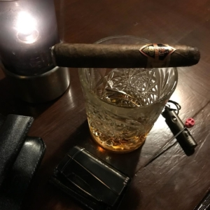 Round 2 after a nice dinner. A Principes cigar and some more Havanna Club in the glass