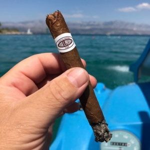 Sun, sea, pedal boat with slide and a Cuban cigar. What else can you wish